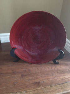red decorator plate with stand