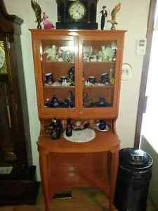 Various Antiques - too many to list - see picture examples