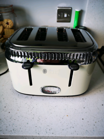 Four slice toaster for sale.