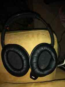 Bose Bluetooth headphones $100 London Ontario image 2