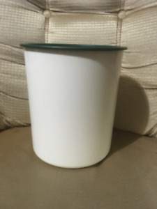 Tupperware Large Canister