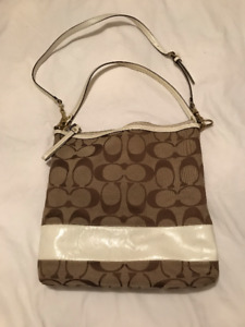 "Pre-Owned - Authentic Large ""Messenger Style"" Coach Purse"