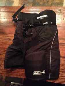 Bauer 800 hockey pants size Junior Large
