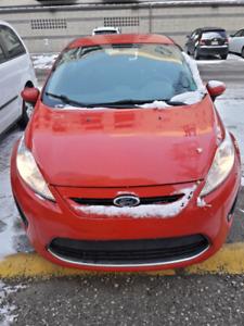 2012 Ford fiesta SE Hatchback Red