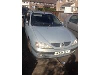 Renault megane spares or repair . Drives
