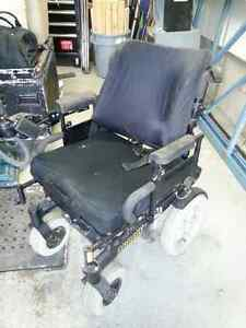 Arrow electric wheelchair - Chaise roulante électrique