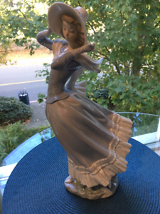 "14"" High Vintage Lady with hat and scarf in cream colors"