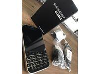 Blackberry Classic SQC100-1 Black :: 100% Perfect Boxed Condition