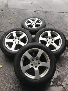 4 mags rims 17 po 5x114.3 avec pneus d'hiver yokohama