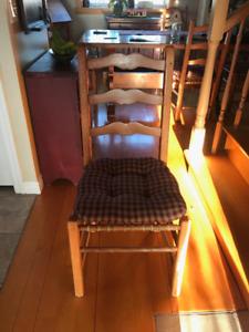 6 Chaises en bois champêtre /antique