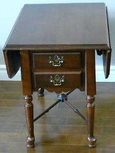 solid wood drop leaf end table with 2 drawers