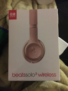 BRAND NEW SEALED BEATS SOLO 3 WIRELESS HEADPHONES