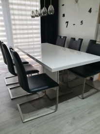 Furniture Village dining set, extendable table with 6 chairs