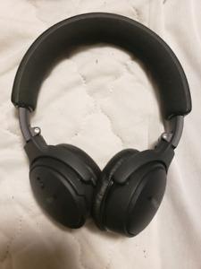 Bose on ear headphones $200
