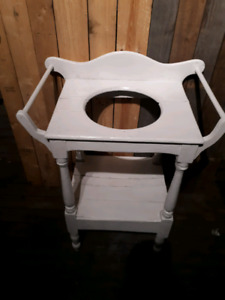 Painted White Antique Towel And Wash Basin Stand