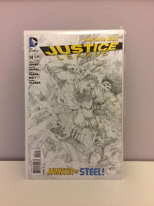 Justice League Comic Book - B/W Variant New 52 #14