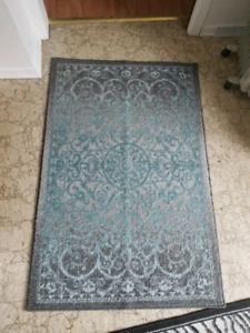 Blue and gray accent rug