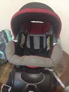 baby trend EZ flex-loc infant car seat with base .