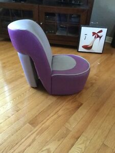 Kids shoe chair