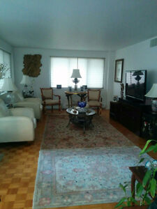 Beautiful, large and centrally located 4 1/2 apartment for rent