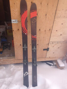G3 Zenoxide Ski's with dynafit bindings and skins