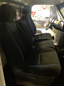 60/40 Cloth Bucket Seats / Console From 2016 Chev / GMC Truck