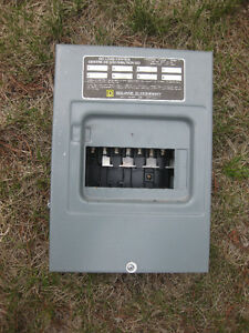 100 AMP SQUARE D 8 CIRCUIT PANEL