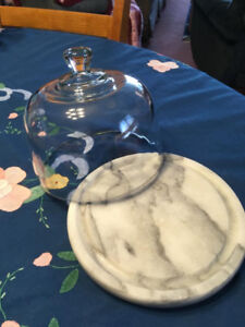 Small Marble Cheese Board With Fitted Glass Dome - D
