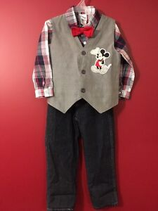 DISNEY Boy's 4-Pc Mickey Mouse Outfit - Size 4T -Great condition