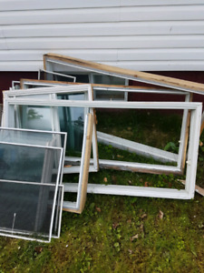 Used windows great for a green house 10$ takes all