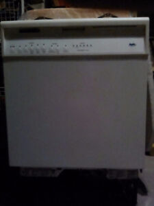 Inglis built in dishwasher
