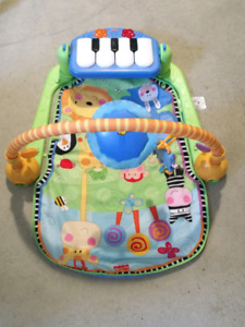 Tapis eveil avec piano pour bebe