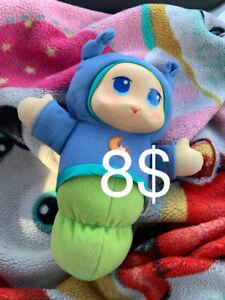 Lot de Trois Beau Petit Bebe luminous un rose et deux bleu 8$ Ch