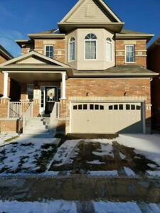 Detached Double Garage with basement for rent in Stouffville