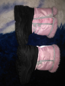 Baby girl BOOTS size 4-5