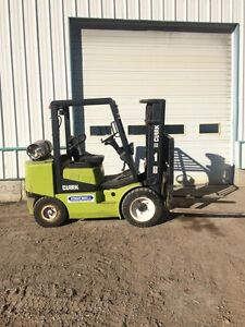Fork lift for RENT