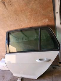 Vw golf mk7 7.5 R gti gtd Tdi nearside rear door white 13-19