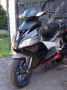 Black 2006 Aprilia SR50 scooter