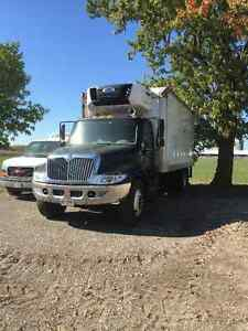 2006 International truck with refer