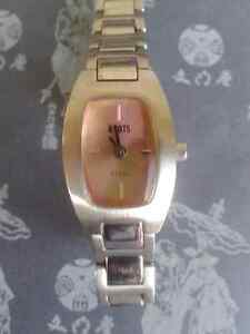 Roots watch for women