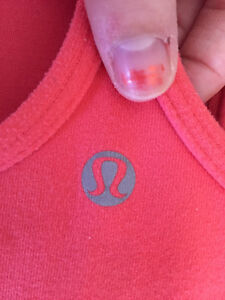 Lululemon Coral Coloured Power Y Tank Size 2 EUC w/ Cups London Ontario image 3