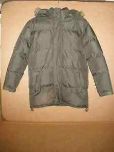 TWISTED WEAR Moss Hooded Coat Size 8/10 London Ontario image 1