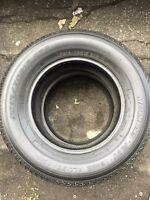 2 pneus d'été  motomaster 215/70/15