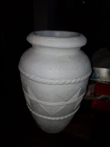 """Beautiful Large white ceramic vase 18"""" tall and 12"""" wide"""
