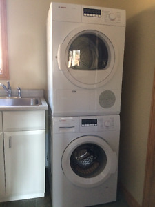 Compact size Bosch washer/dryer ventless set