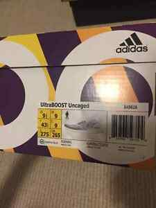 Mens' Adidas Ultraboost White/Navy Uncaged
