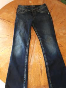 Womens waist 28, Like new Silver Jeans
