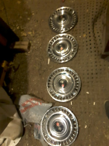 orig chevelle hubcaps