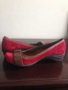 RED HUSH PUPPIES WEDGES WOMENS, SIZE 10