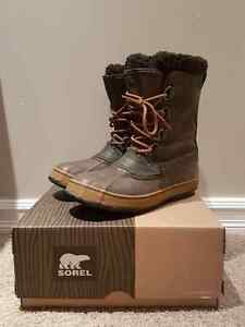 Sorel Waterproof Boots - Men's Size 9 (Size 10 Fit) New in Box